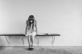 worried-girl-413690__180